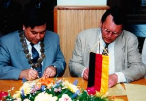 Vertragsunterzeichnung Mai 1996
